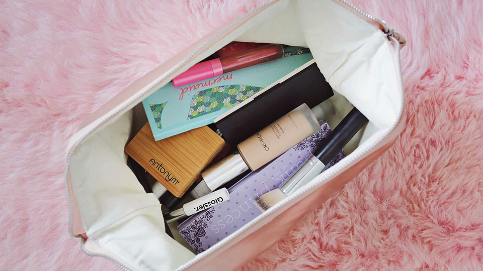How to Pack Beauty Products for a Flight