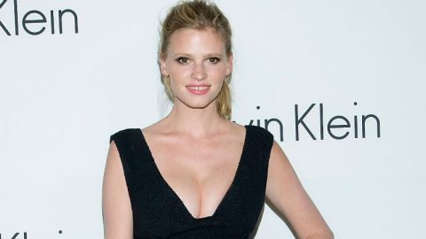 Lara Stone Gets Candid About Pregnancy | StyleCaster