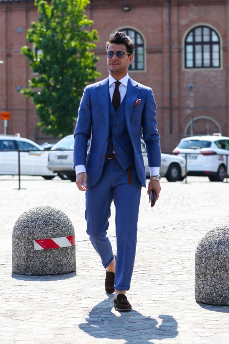 menswear blue suit street style
