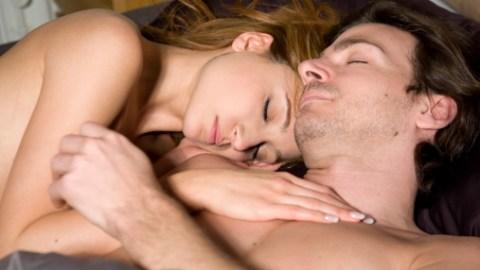 Sleep Naked, Better Relationship? | StyleCaster