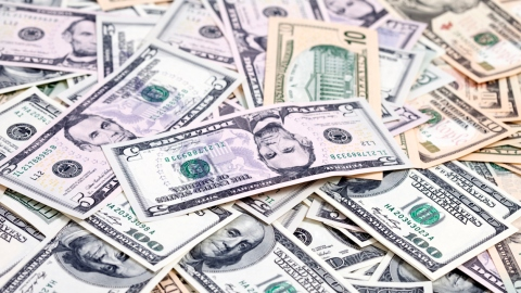 10 Ways to Make More Money | StyleCaster