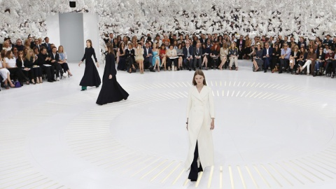 Inside Dior's Stunning Couture Show   StyleCaster