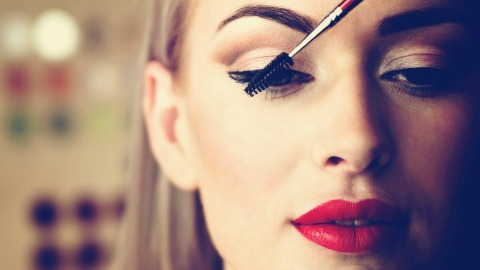 The Clump-Free Mascaras That Won't Let You Down | StyleCaster