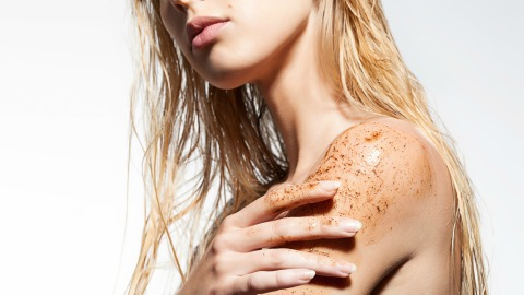 Microdermabrasion Scrubs For Gentle Exfoliation | StyleCaster