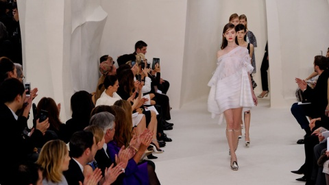 Young Shoppers Keeping Couture Alive   StyleCaster