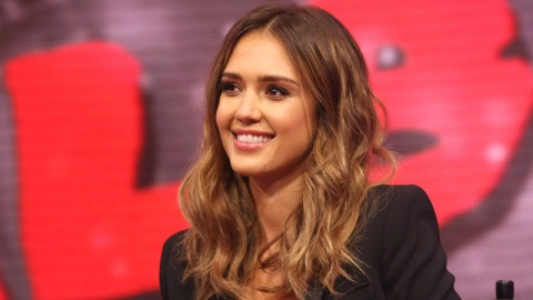Proof That Jessica Alba Can Stop Acting   StyleCaster