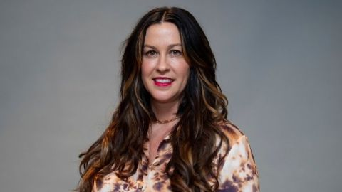 I Didn't Recognize A Blonde Alanis Morissette In These 'Alter Ego' Promo Images | StyleCaster
