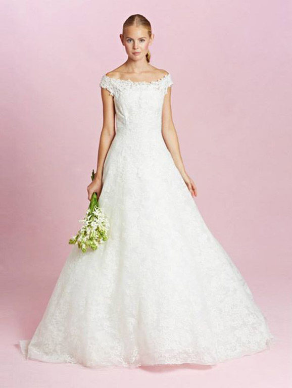 amal-alamuddin-clooney-oscar-de-la-renta-wedding-dress