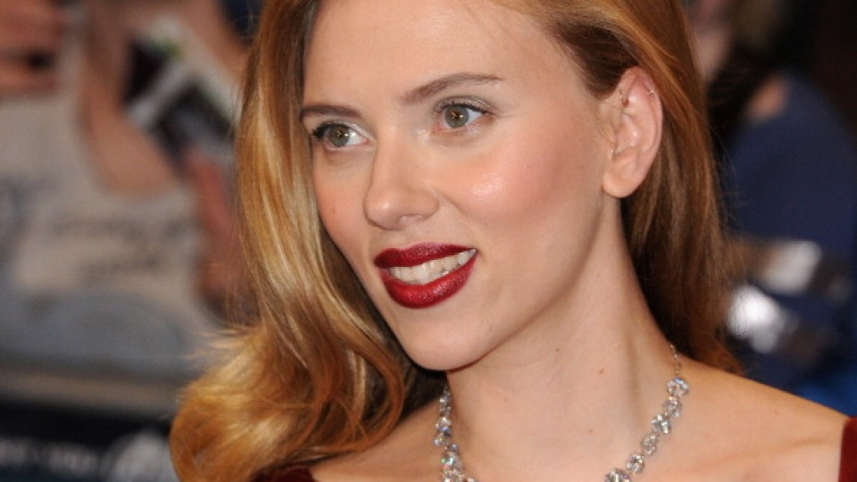 Scarlett Johansson Is Ditching Movies | StyleCaster