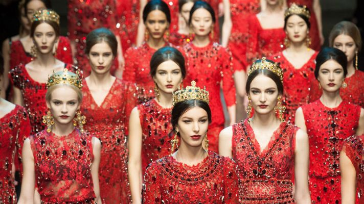 20 Reasons We're Obsessing Over Red Lace This Season