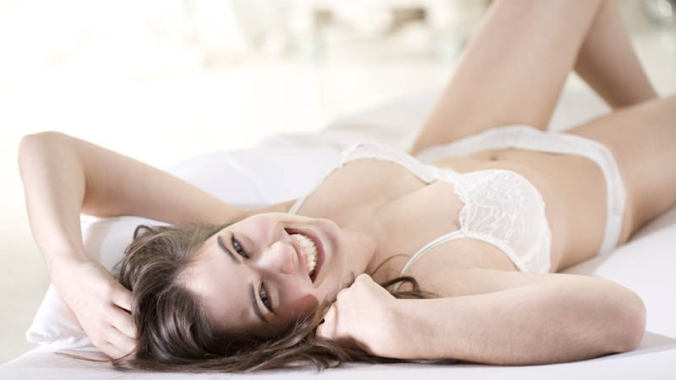 13 Signs Your Sex Life is Amazing | StyleCaster