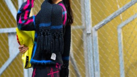 20 Ways to Wear a Scarf | StyleCaster