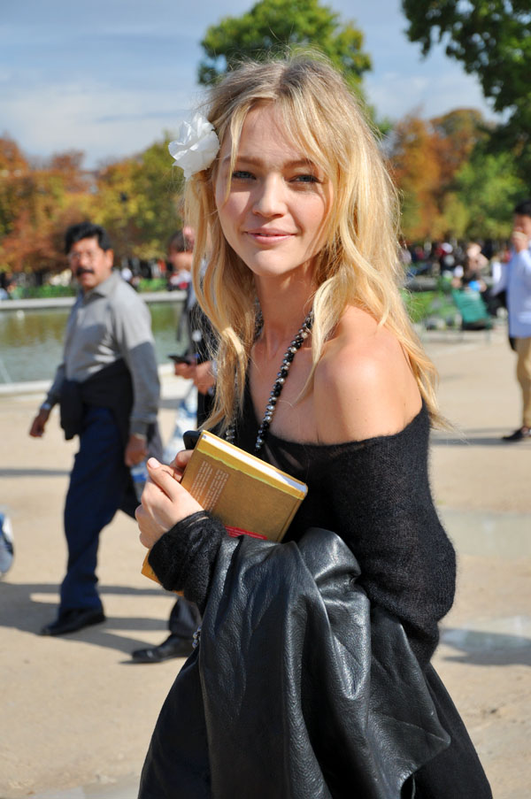 paris fwss2010 sasha pivovarova2 How to Look Festive on New Years Eve—If You Hate Sequins