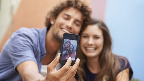 #FirstDateSelfies Are a Thing Now | StyleCaster