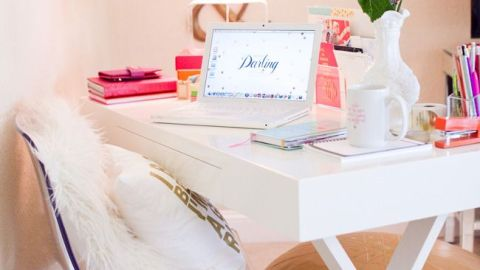15 Things Every Blogger Has on Her Desk | StyleCaster