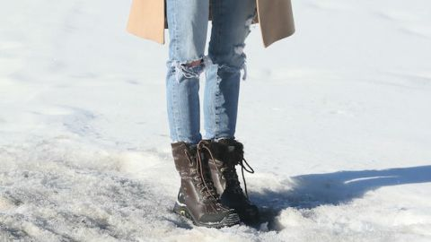 20 Ways to Style Snow Boots  | StyleCaster