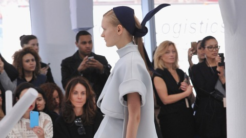 Steal This Styling Trick From Delpozo   StyleCaster