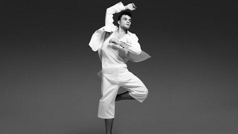 Watch a Pro Ballet Dancer Model | StyleCaster