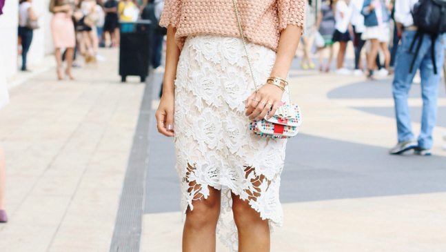 20 Ways to Pull Off a Lace Skirt During the Day