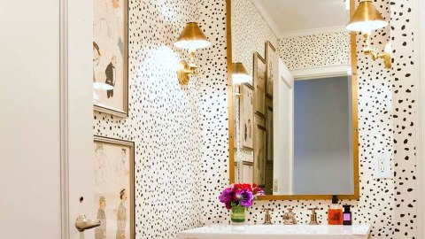13 Pretty Small-Bathroom Decorating Ideas You'll Want to Copy | StyleCaster