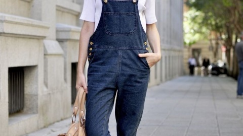 25 Fashion Girls Who Kill it in Overalls  | StyleCaster