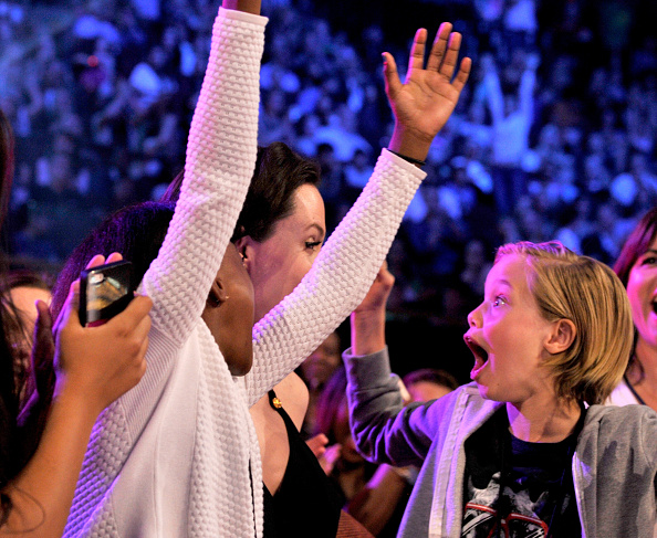 467963426 Angelina Jolie Ruled the Kids Choice Awards With Moving Speech—and Adorable Daughters