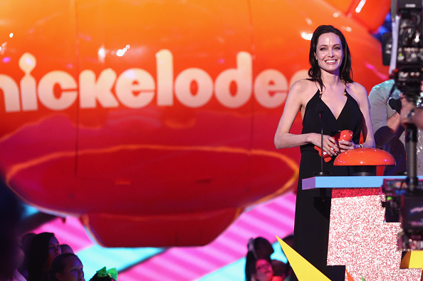 467984316 Angelina Jolie Ruled the Kids Choice Awards With Moving Speech—and Adorable Daughters