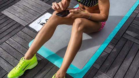 10 Ways Lazy Girls Can Work Out at Home   StyleCaster