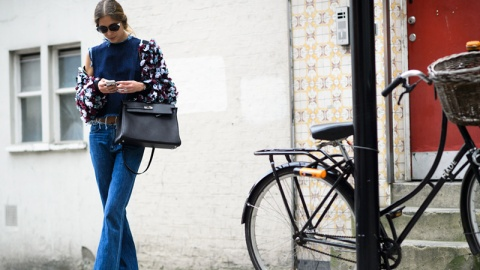 Is Texting Ruining Your Love Life?   StyleCaster