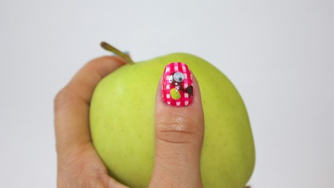Nail Art How To: Picnic Nails Perfect For the Park | StyleCaster