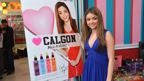 Sarah Hyland Talks About What Scent She Wore to Prom, Beauty Must-Haves & More | StyleCaster