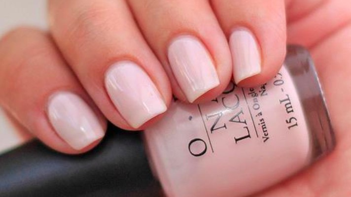 Everything But a French: Manicures That Show Off Your New Engagement Ring