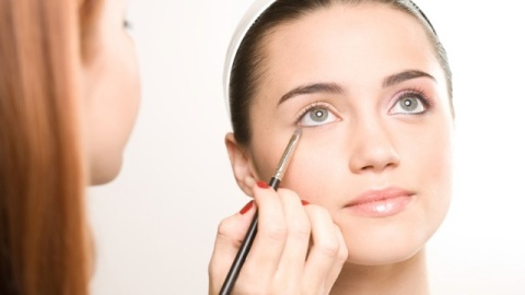 7 Questions You Should Be Asking At Your Beauty Counter | StyleCaster