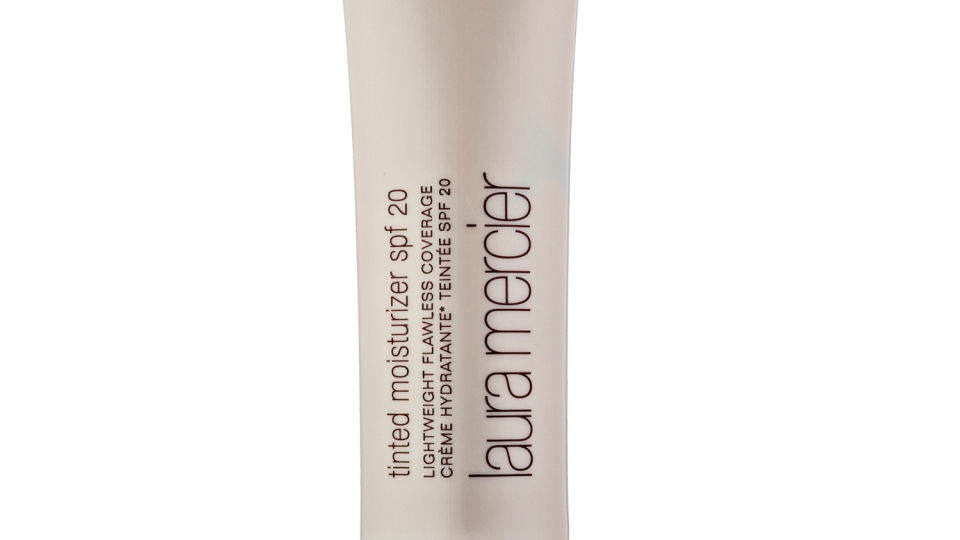Take Your Coverage Down A Notch With Tinted Moisturizer | StyleCaster
