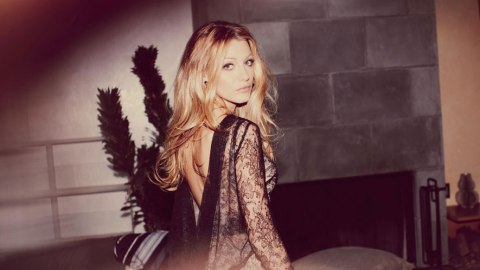 Blake Lively's Makeup Artist Talks Flawless Skin & Bold Lips | StyleCaster