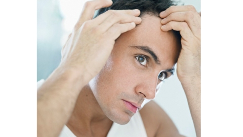 Hide Your Latisse: Balding Men Are Now Applying It To Heads | StyleCaster
