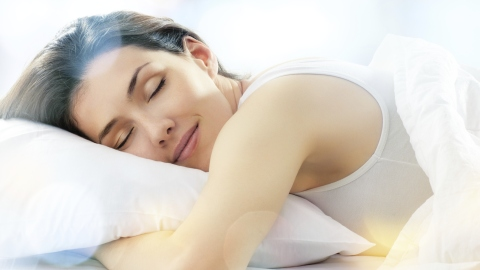How You're Ruining Your Own Chances of a Good Night's Sleep   StyleCaster