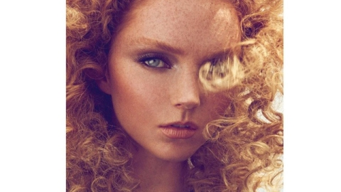 Lily Cole's Curls are Lustworthy in Bazaar Turkey   StyleCaster