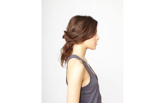 How to Do This Easy Knotted Updo