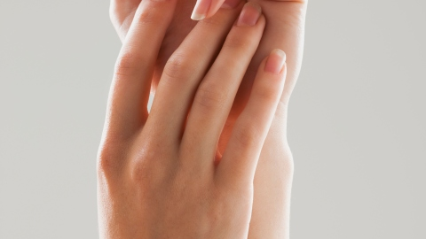 7 Natural Remedies for Dry, Brittle Nails | StyleCaster