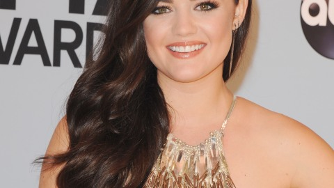 Beauty Buzz: Celebrity Lip Colors Revealed, Wedding Makeup Tips, More | StyleCaster