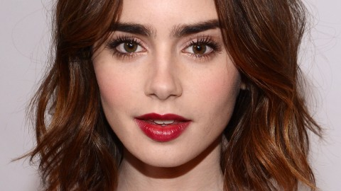 Beauty Buzz: How to Get Lily Collins' Red Lip, Guide to Using Facial Oil, More | StyleCaster