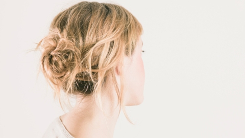 Tips For Making A Messy Bun With Short Hair | StyleCaster