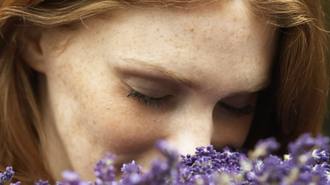 12 Times We Wish Our Sense of Smell Was Broken | StyleCaster