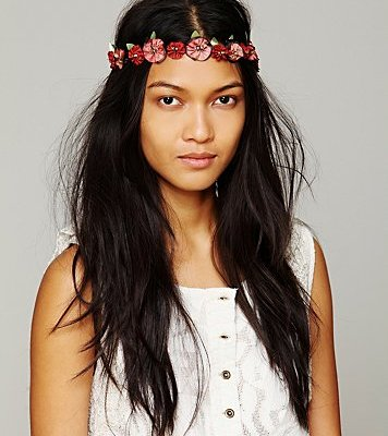 10 Hair Accessories to Pack For Spring Vacation