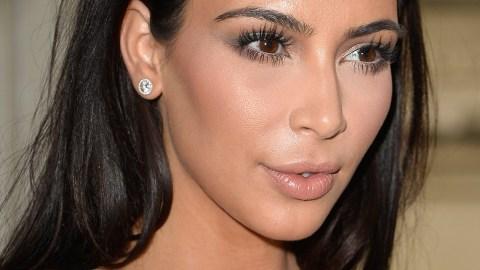 Contouring Like a Kardashian: Vlogger Emmy Blotnick Takes on the Challenge   StyleCaster