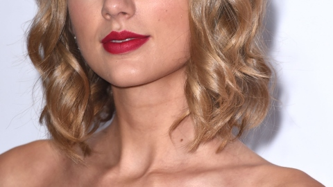 Celebrities With the Best Hair For Fall | StyleCaster
