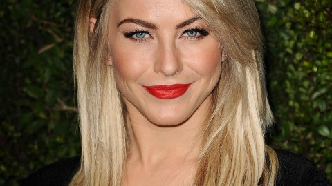Beauty Buzz: Julianne Hough's Hair Secret, Get Miley's Marc Jacobs Ad Look At Home, More | StyleCaster