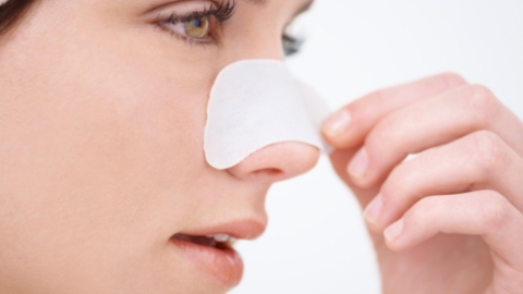 Whiteheads Are the Blackhead Imposters on Your Nose | StyleCaster