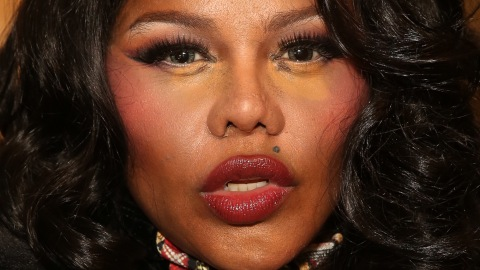 Beauty Buzz: Lil' Kim's Feelings on Red Lipstick, Valentine's Day Hair Ideas, More | StyleCaster